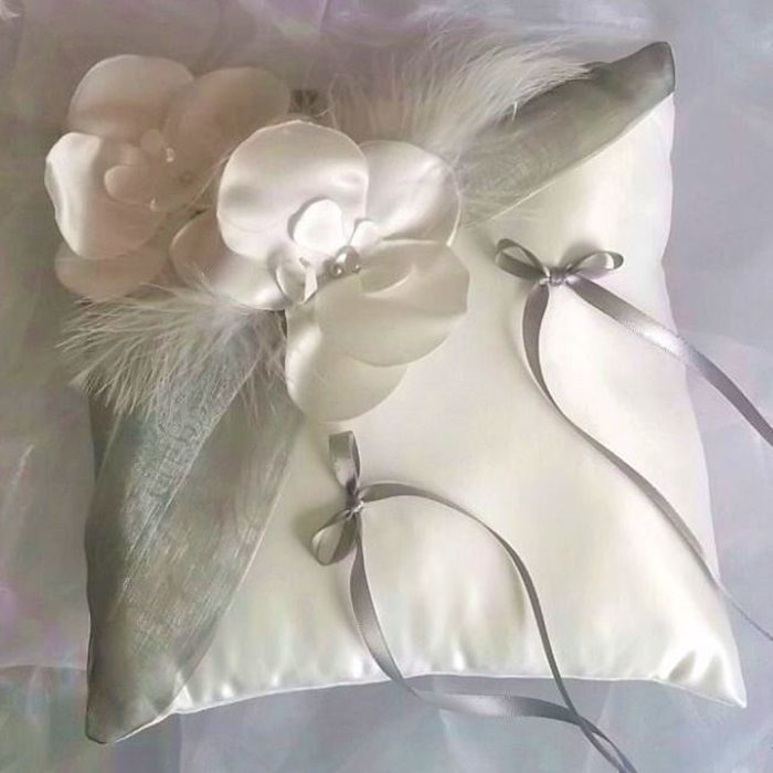 "Coussin ""ORCHIDEE"" gris"